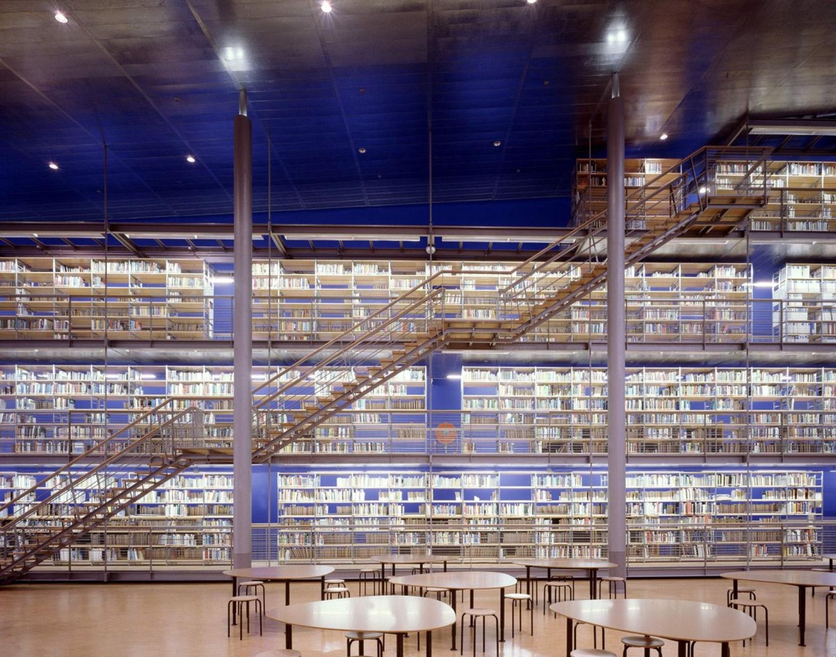 معماری كتابخانه دانشگاه دلف
